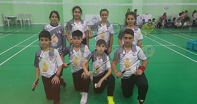 Badmintoncularımız Türkiye Şampiyonası'nda