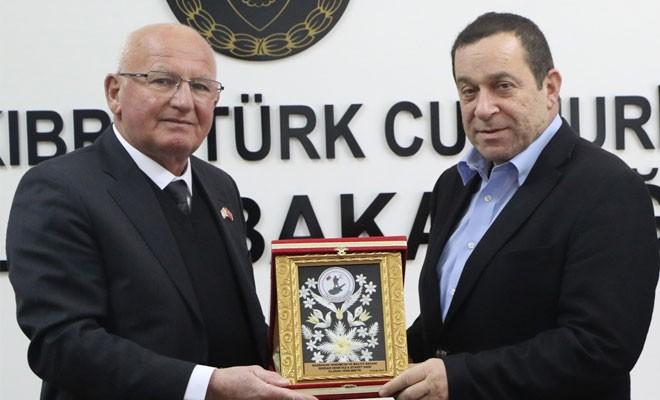 """""""Referandum safhasında Türkiye'nin tavrı önemli"""""""