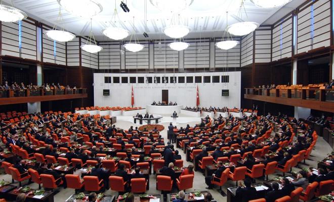 Hükümete sınır ötesi operasyon yetkisi bir yıl uzatıldı
