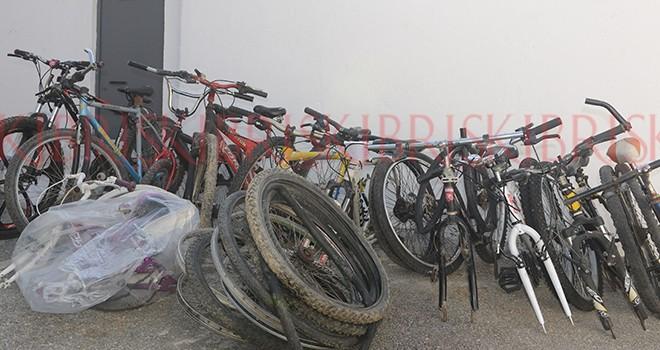 10 bisiklet çaldılar,  Yuvacık'a sakladılar