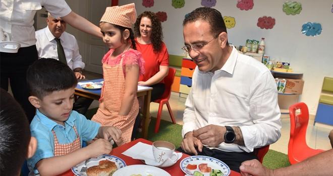 Şahali çocuklarla kahvaltı yaptı