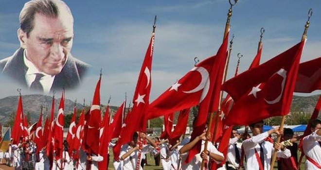 Türkiye Cumhuriyeti'nin 95. Kuruluş yıl dönümü KKTC'de de törenlerle kutlanıyor