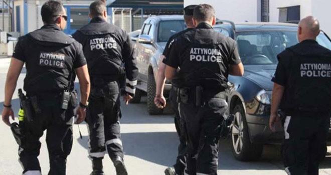 Rum polisi çatapat alarmında