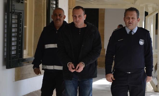Polise 4 yıl hapislik