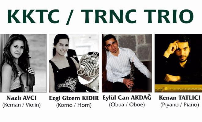 Bellapais'te konser verme sırası KKTC Trio'da