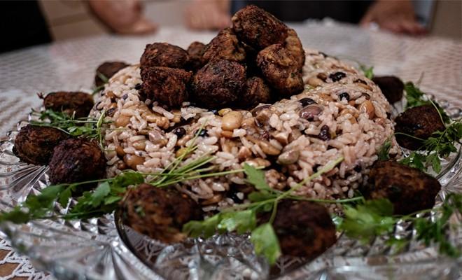 Kıbrıs Mutfağı - Kıbrıs Köfteli Bayram Pilavı