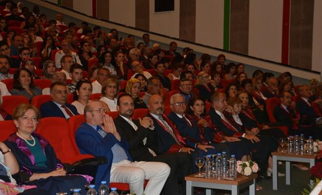 YDÜ Tıp Fakültesi Beyaz Gömlek Giyme Töreni gerçekleştirildi