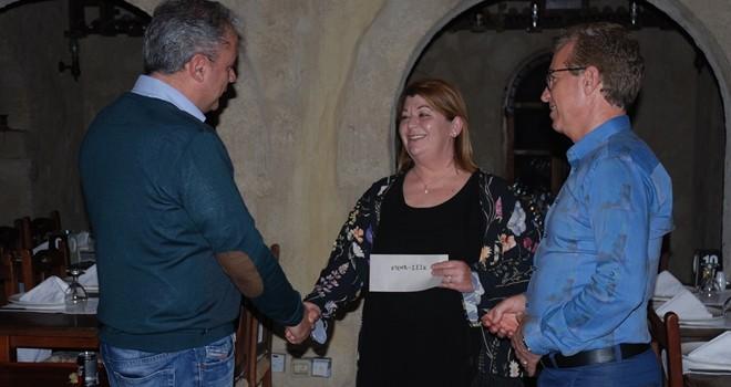 Kıbrıs Türk ve Rum elektrik müteahhitleri birliklerinden ortak bağış