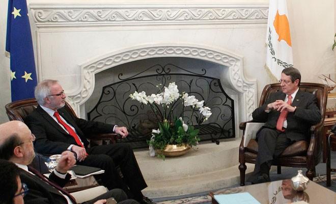 AYB Başkanı Anastasiadis ve Eide ile görüştü