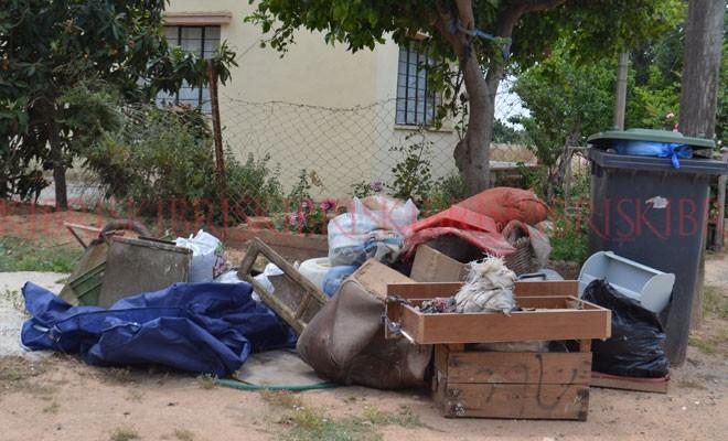 12 köyde çöpler doldu, taştı!