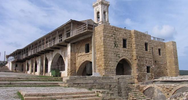 Apostolos Andreas Manastırı'nda ve Dörtyol'daki kilisede ayin