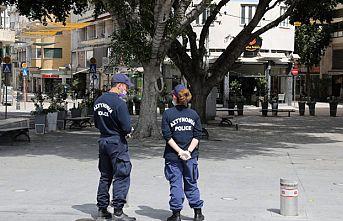 Güney Kıbrıs'ta önlemler bir hafta daha uzatıldı
