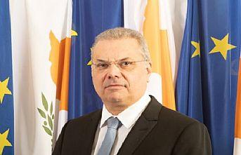 Rum İçişleri Bakanı KKTC ve Türkiye üzerinden kaçak göçmen gelişinden şikayet etti