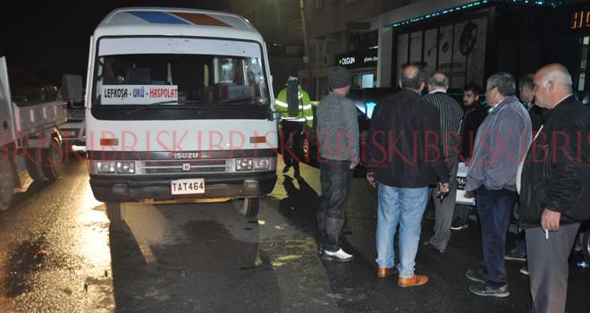 SON DAKİKA: Minibüs yayaya çarptı, bir ağır yaralı