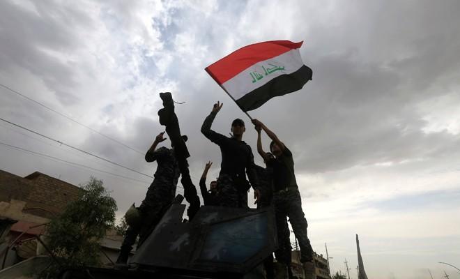 Musul'da IŞİD'e karşı zafer ilan edildi