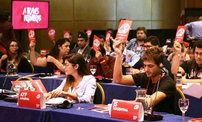 Sosyalist gençler Arjantin'den seslendi: Liderler masaya!