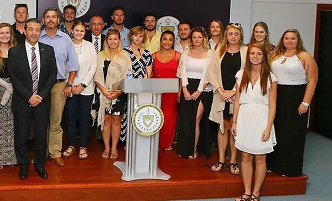 Ertuğruloğlu, yabancı üniversite öğrencilerine müzakere sürecini anlattı