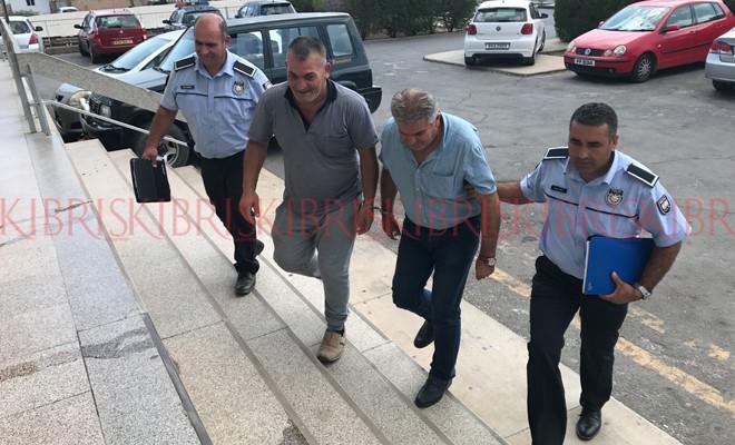 Biri cezaevine gitti, diğeri 8 bin TL'ye serbest
