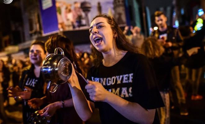 'Hayırcılar' protestoya çıktı!