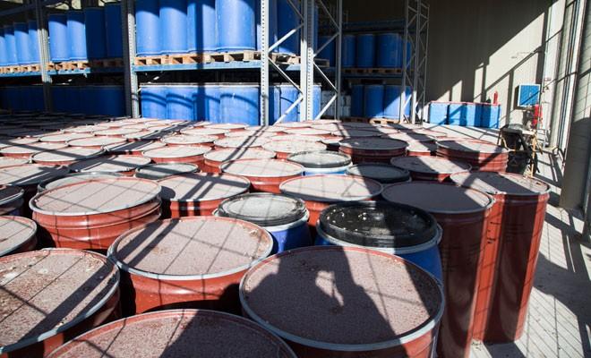 Portakal suyu bidonunda kimyasal atık güvenli mi?