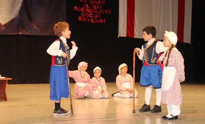 Mağusalı minikler 23 Nisan'ı kutladı
