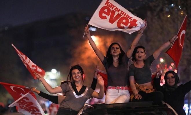 Türk halkı, ortadan ikiye ayrıldı
