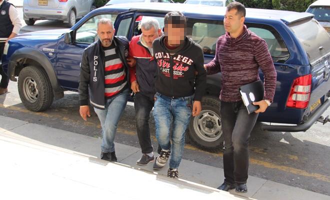 Mağusa'da tırdan kaçak Suriyeli çıktı