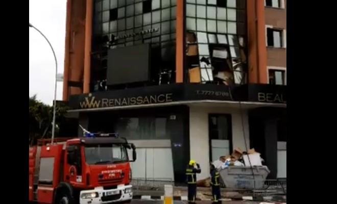VİDEOLU: Limasol'un kalabalık caddesinde patlama
