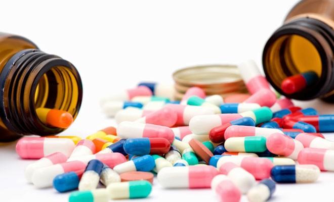 Sağlık Bakanlığı: Türkiye'deki zamlar yansıyor ancak yüksek fiyattan ilaç satılamaz