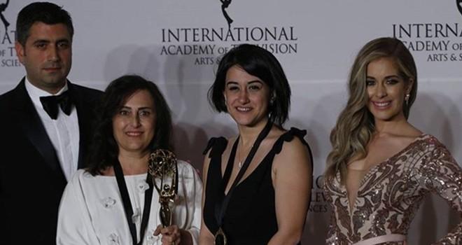Kara Sevda dizisi Türkiye'ye Emmy ödülü ile döndü