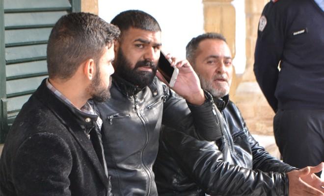 Sınır dışı edilen 3 kişi daha aranıyor