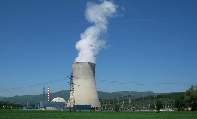 İsviçre oyunu nükleerden yana kullandı
