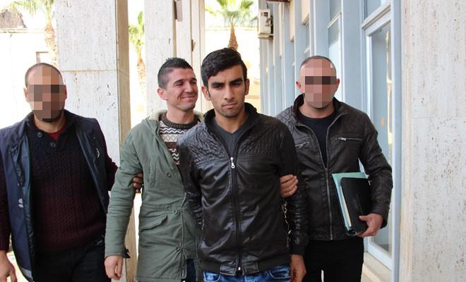 Yasa dışı kitap ve postere 2'şer ay hapis