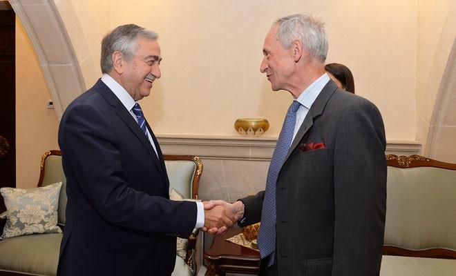 Akıncı, İngiliz Yüksek Komiseri Kidd'i kabul etti