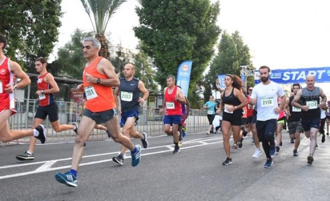 'Lefkoşa Turkcell'le Koşuyor Maratonu' başladı