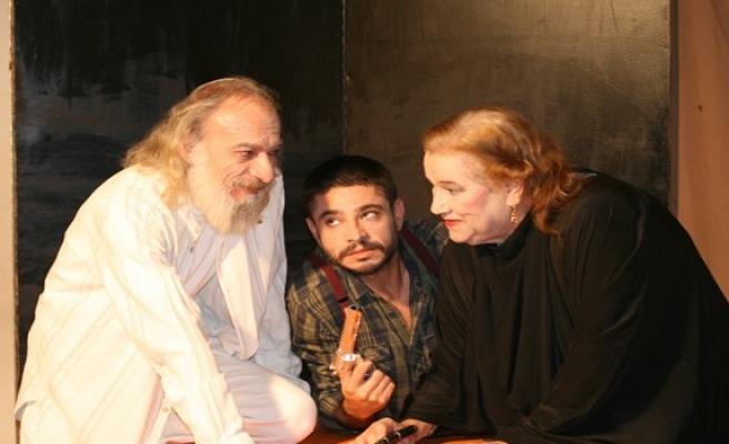 Kıbrıs Türk Komedi Tiyatrosu sezonu açıyor