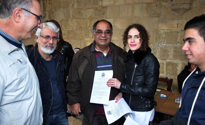 Güneye geçen Kıbrıslı Türklere bildiri