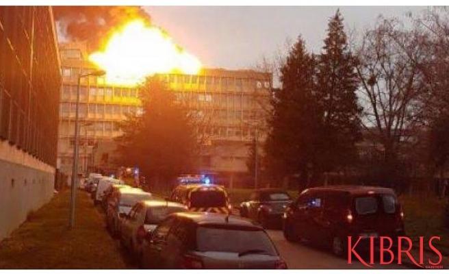 Fransa'nın Lyon kentinde patlama: 13 yaralı