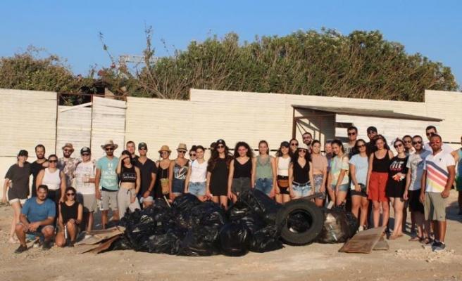 25 poşet çöp toplandı