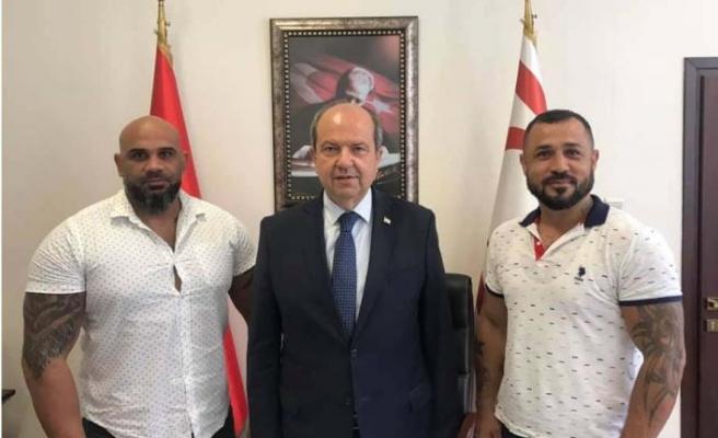 Başbakan'dan şampiyon Turunç'a tam destek