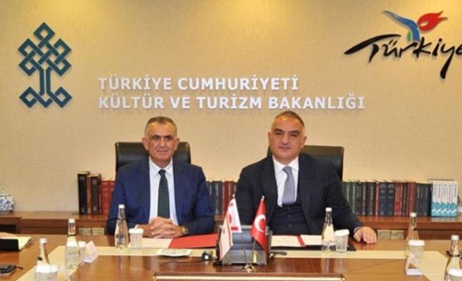 Çavuşoğlu, TC Kültür ve Turizm Bakanı Ersoy ile görüştü