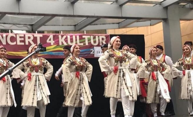 Yeniboğaziçi Belediyesi Halk Dansları Topluluğu Polonya'da