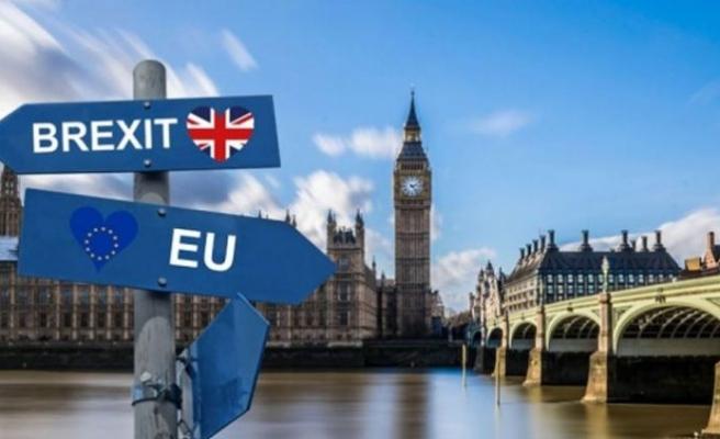 """İngiliz hükümetinin """"anlaşmasız Brexıt"""" senaryosu basına sızdı"""