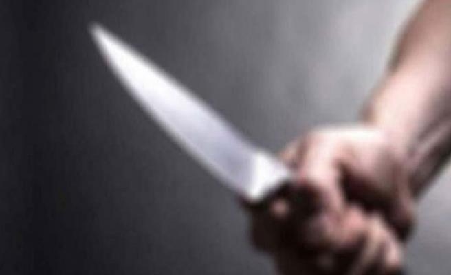 Kız yüzünden çıkan kavgada 1'i ağır 4 kişi yaralandı