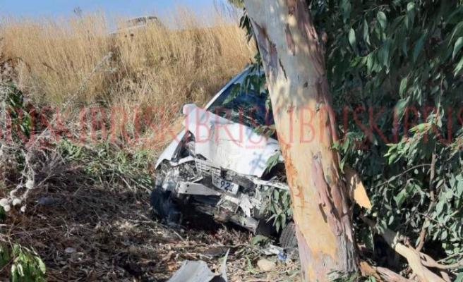 Akova köyü yakınlarında feci kaza, 2 yaralı