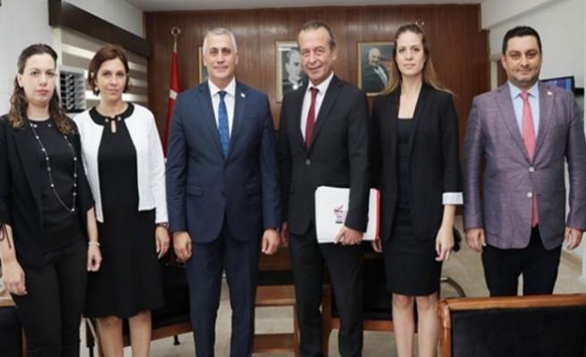 Amcaoğlu, Rekabet Kurulu Başkanı ve üyeler ile bir araya geldi