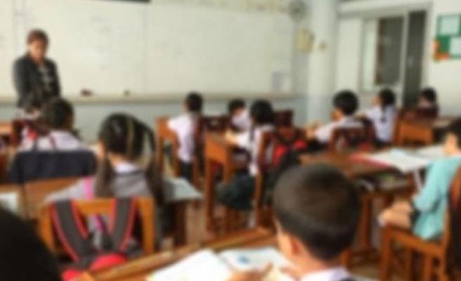 Devlet okullarında eğitim alan öğrenciler ders başı yapıyor