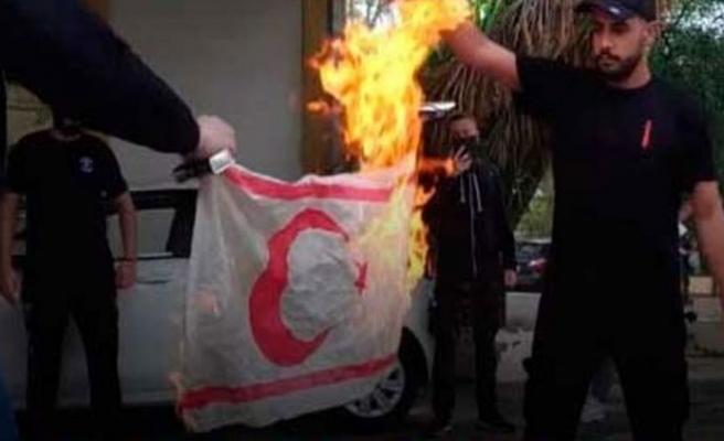 Rum Polis Müdürü: Bayrak yakılması ciddi bir olay