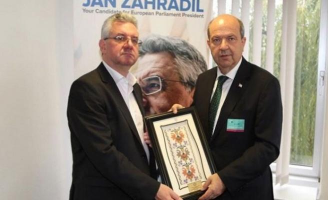 Tatar, Çek Parlamenter Jan Zahradil ile görüştü