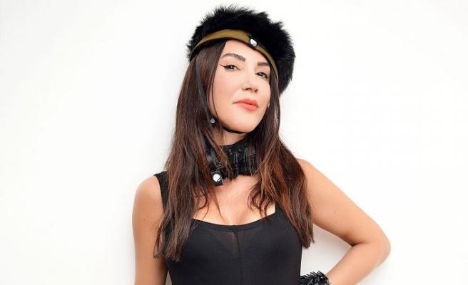 Hande Yener, albüm çalışmasında